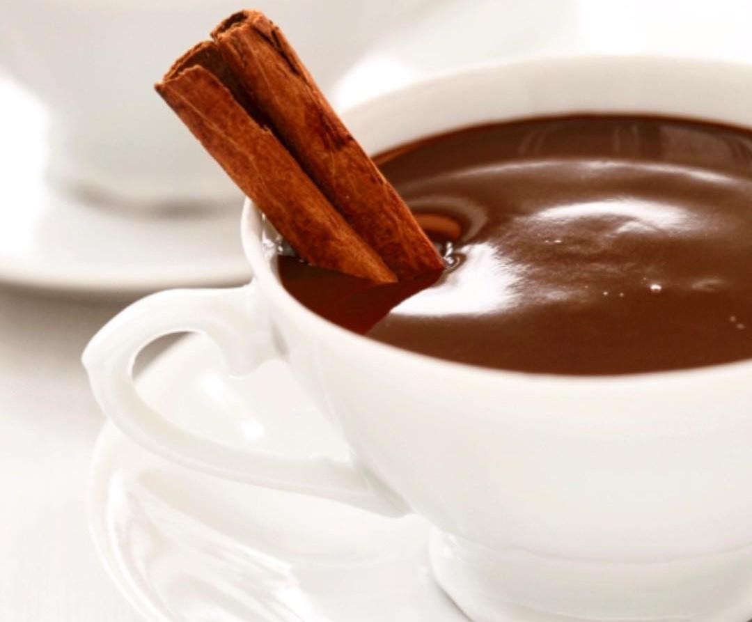 طرز تهیه انواع شکلات داغ